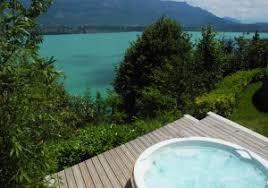 week end valentin chambre avec trois chambres avec spa privé et vue panoramique en savoie aix les