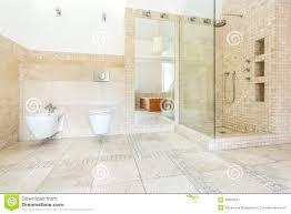 beige badezimmer bad beige fliesen
