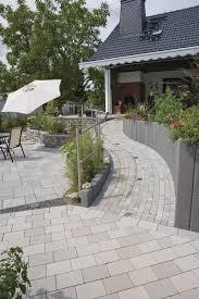 Curved Garden Wall by Garden Edge Natural Stone Curved Bailey Rinn Beton Und