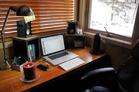 design of laptop desk setup with great laptop setup here i like