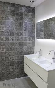 betonlook mit ornamenten betonlook badezimmer beton fliesen