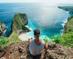 kelingking secret point beach on nusa penida journey era