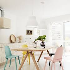 cuisine ferm馥 pretty pastel dining chairs dining chairs pendant lighting and lights