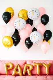 New Year S Eve Decoration Pinterest by Best 25 Nye Countdown Ideas On Pinterest New Year U0027s Eve