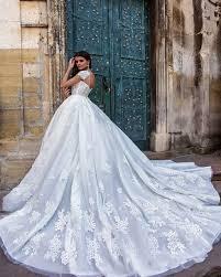 2017 long train lace wedding dresses princess bride plus size