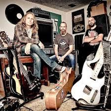 ex sleeze beez singer andrew elt to release new album with band 7