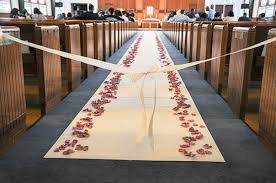 wedding runner how does the aisle runner need to be for my wedding
