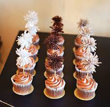 New Year S Decorated Cupcakes by 113 Best Cupcakes Images On Pinterest Parties Desserts And