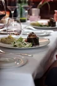 dans la cuisine de dans la cuisine de restaurant éphémère un dîner par