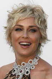 coupe de cheveux court femme 40 ans jusqu à quel âge peut on porter les cheveux longs l express styles
