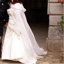 cape mariage robe de mariée 46 48 pompeï aurye mariage et sa cape vide