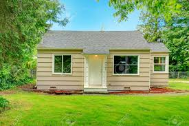 siding house small house stock photos royalty free small house images and pictures