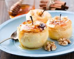 cuisine au miel recette pommes farcies à la crème au miel et amaretto
