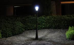 outdoor solar lights reviews amazon com gama sonic victorian solar lamp post and single lamp