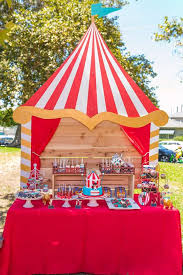 Carnival Themed Table Decorations Best 25 Circus First Birthday Ideas On Pinterest Circus Theme