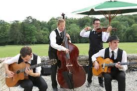 orchestre jazz mariage succombez à la tendance du jazz manouche pour sublimer votre