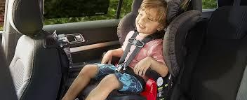 siege auto comment l installer comment installer un siège pour enfant orienté vers l avant