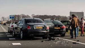 rolls royce phantom rear bmw m5 rear ends rolls royce ghost while heading to need for speed