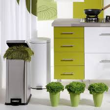 poubelle cuisine leroy merlin poubelle cuisine 15 modèles pratiques et déco côté maison