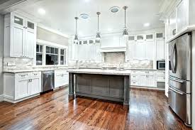 cleaning kitchen cabinets with vinegar cleaning kitchen cabinets with vinegar how to clean kitchen cabinets