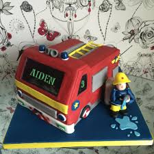 minecraft fire truck 3d cakes by toots sweet edinburgh
