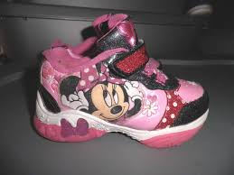 minnie mouse light up shoes minnie mouse light up sneakers size 6 disney athletic little