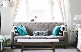 quel tissu pour canapé quel tissu choisir pour restaurer votre vieux canapé du