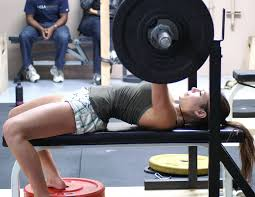 Woman Lifting Weights Meme - reasons girls should weightlift