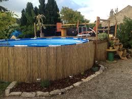 amenagement piscine exterieur aménagement piscine hors sol piquet d u0027acacia lame terrasse