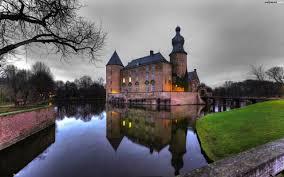 old style castle hd wallpaper