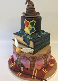 the internet is going bonkers for this harry potter cake made by a