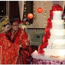 wedding cake indonesia rr cakes rrcakes cupcakes instagram photos and