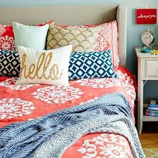 Best  Coral Bedroom Decor Ideas On Pinterest Coral Bedroom - Coral color bedroom