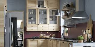 ikea frosted glass kitchen cabinets the styling secrets pros use for open shelving