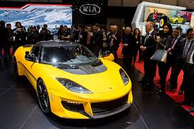 voiture de sport 2016 exubérance luxe et puissance au salon automobile de genève nice