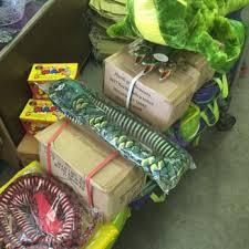 mardi gra wholesale mardi gras bonanza 22 photos party supplies 225 westbank