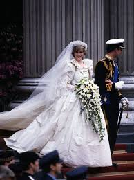 princess diana wedding dress designer opens about about her