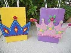 what about the lil prince charmings at the party cute idea