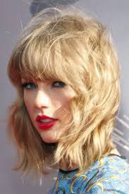 texture of rennas hair length shoulder length texture wavy hair colors honey blonde