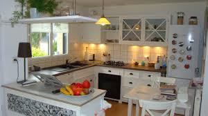 cuisine bois blanche cuisine amenagee en u 14 cuisine blanche plan de travail bois