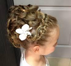 coiffure mariage enfant couleur tendance pour salon 14 chignon enfant pour un mariage
