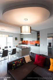 la cuisine dans le bain une cuisine avec îlot central ged cucine finition ral 7038 gris