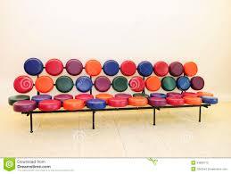 sofa bunt wohnzimmerz sofa bunt with ausgefallenes retro sofa zuretti in