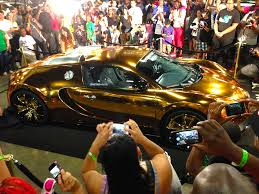 bugatti veyron gold wrapchannel com blog archive flo rida u0027s gold chrome bugatti veyron
