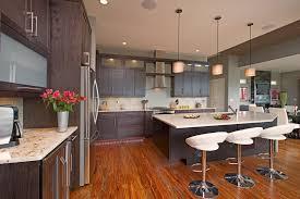 cuisine au milieu de la cuisine evier cuisine avec meuble idees de style