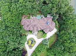 Homes For Sale In Atlanta Ga Under 150 000 Lake Lanier Real Estate Lake Lanier Homes For Sale Lake Lanier