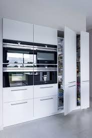 colonne cuisine siematic cuisine contemporaine minimaliste avec îlot central