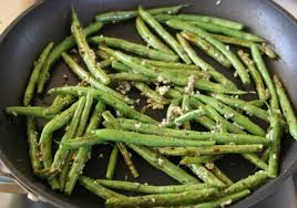 sweet and savory thanksgiving green beans shockingly delicious