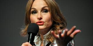 the food network thanksgiving giada de laurentiis cuts her finger during live thanksgiving