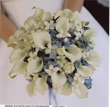 brides helping brides pics of hydrangea and rose centerpieces